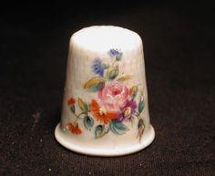 Vintage-Fine-Porcelain-Hand-Painted-Limoges-France-Thimble-Roses-Flowers-Signed