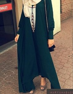 Abaya - Arabian Fashion  Beautiful n would be more elegant for muslimah if the dress is long enough to cover their feet.