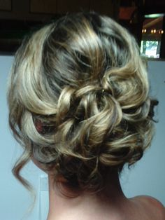 Updo by Rochelle Noone on location bridal hairstylist Pittsburgh pa #bridalhair #weddinghair , #weddingupdo , #bride , #brideshair , #updo , #bridesmaidhair . #Bridesmaidupdo . #rochellenoone , #onlocationhairpittsburghpa , #Pittsburgh ,