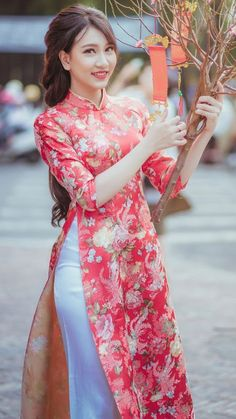 Doctor Romance With Beautiful Indian Sexy Girl Sexy Bbabhi With Doctor - Vietnamese Clothing, Vietnamese Dress, Vietnamese Traditional Dress, Traditional Dresses, Beautiful Long Dresses, Elegant Dresses, Asian Lingerie, Indian Designer Outfits, Beautiful Asian Women
