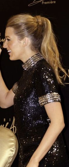Who made Blake Lively's black sequin dress that she wore in Dubai on January Dress – Gucci Blake Lively Family, Blake Lively Style, Black Sequin Dress, Black Sequins, Blake Lovely, Gossip Girl Fashion, Fade Styles, Celebs, Celebrities