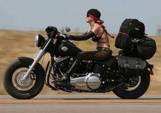 Female Motorcycle Riders, Motorbike Girl, Motorcycle Outfit, Motorcycle Girls, Lady Biker, Biker Girl, Chicks On Bikes, Old School Chopper, Harley Softail