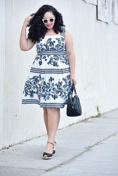 Да, The Perfect Plus Размер Sundress существует через @GirlWithCurves