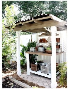 Outdoor Potting Bench, Potting Tables, Outdoor Benches, Pallet Benches, Outdoor Pallet, Backyard Projects, Garden Projects, Backyard Ideas, Potting Station