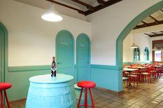 Reforma interior local. Bar. Vinoteca. Sra. Farnsworth Estudio de Arquitectura. Fotografía Pablo Senra