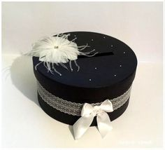 Diy on pinterest mariage wedding card boxes and polka dot fabric for Bureaux adolescente noir et strass
