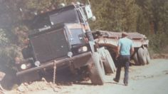Totran 1980 Work Accident, Oil Field, Things Happen, Classic Trucks, Semi Trucks, Gin, Trailers, Fields, Construction