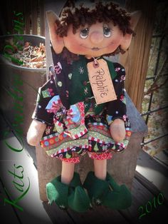 The PAPER PATTERN for Ralphie is typed up and ready for sale! This Pattern will help you create the elf named Ralphie to the left. Primitive Christmas Patterns, Primitive Stitchery, Elf Doll, Christmas Elf, Christmas Swags, Christmas Decor, Christmas Ideas, Fall Quilts, Wool Applique