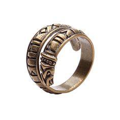 Bronze Ring mit Drachen und Elder Futhark Rune.  Ring ist verstellbar, um sicher Komfort passen zu machen. Ring passt auf Finger mit Umfänge von 3 bis 16 Größe. Material: Bronze, Silber  Sterling Silber ring mit Drachen und Elder Futhark Rune hier - https://www.etsy.com/ru/listing/225580986/sterling-silver-ring-with-elder-futhark?ref=shop_home_active_11  Älteren Futhark Rune - alten nordischen Runen.  Runen sind die mystische Alphabet von alten europäischen ...