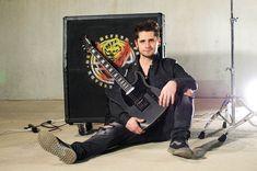 Daniel Artim put a Seymour on the bridge position of his Kononykheen Breed Ten. Hmm, it looks nice 🤔   #guitar #electricguitar #shredguitar #rareguitar #guitarra #uniqueguitar #collectibleguitar #guitarcollection #guitarporn #endorser #guitarist #guitarplayer #guitarhead #guitaristsunite #gearnerd #gearnerds #hottestguitar #kononykheen