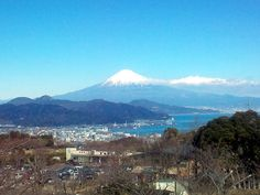 Mt. FUJI visible from Nihondaira. (04 Jan 2013)