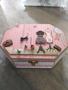 Caixa de costura em scrapdecor