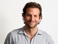 Bradley Cooper Replaces Jude Law in 'Jane Got a Gun' – /Film Bradley Cooper Cheveux, Bradley Cooper Haare, Jude Law, Natalie Portman, Jennifer Lawrence, Bradley Cooper Shirtless, Celebrity Biographies, 2016 Pictures, Free Pictures