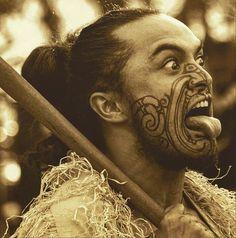 Visit to a Maori village in New Zealand Polynesian Art, Polynesian Culture, Maori Face Tattoo, Maori Tattoos, Maori Symbols, Island Tattoo, Native Tattoos, Maori People, Maori Tattoo Designs