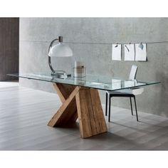 Tavolo Nausika con base asimmetrica in legno essenza abete tinta olio di lino e piano in vetro trasparente