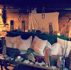 soebagmocht@gmx.at Ausstellung am Adventmarkt (selbst gemacht, diy) Advent, Tapestry, Home Decor, Hanging Tapestry, Homemade Home Decor, Tapestries, Needlepoint, Decoration Home, Wallpaper