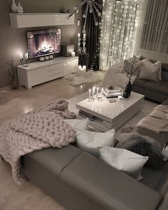 28 Cozy Living Room Decor Ideas To Copy Loving this grey modern and c. - 28 Cozy Living Room Decor Ideas To Copy Loving this grey modern and cozy living room dec - Living Room Decor Cozy, Home Living Room, Living Room Designs, Cozy Living Room Warm, Living Room Ideas 2019, Living Room Decor Colors Grey, Living Room Decorations, Cool Living Room Ideas, Curtain Ideas For Living Room