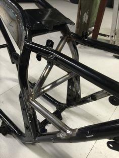Suzuki GSX frame bracing Suzuki Cafe Racer, Bike Details, Xjr, Motorcycle Art, Suzuki Gsx, Bike Parts, Katana, Scrambler, Custom Bikes