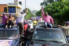 Vídeo: Sirilo de Los Santos llama al PLD hacer convención en La Victoria; encabeza enorme caravana