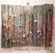 Hometalk :: Upcycled Pallet Jewelry Organizer
