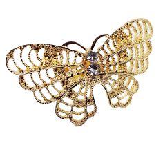 Ένα μεγάλο και πρωτότυπο δαχτυλίδι σε σχήμα πεταλούδας με μικρές πέτρες zircon. Κατασκευασμένο από ανοξείδωτο ατσάλι σε χρυσή απόχρωση. Το δαχτυλίδι προσαρμόζεται σε όλα τα μεγέθη. Δείτε το φορεμένο στην τελευταία φωτογραφία. Brooch, Jewelry, Fashion, Moda, Jewlery, Jewerly, Fashion Styles, Brooches, Schmuck