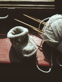 christine's baby booties - knit by garmenthouse