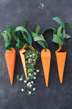 DIY: paper carrot treat box (free printable template)