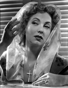 Ann Sothern wearing a Veil with a Floral Design High Quality Photo – Movie Star News