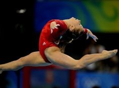 Shawn Johnson Olympic picture