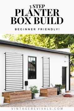 DIY Raised Planter Box (In Just 3 Steps!) This raised planter box is perfect for veggies or flowers in any space! Even the most beginner DIYer can build it in just a few hours! Backyard Patio, Backyard Landscaping, Backyard Planters, Modern Backyard, Diy Patio, Raised Planter Boxes, Outdoor Planter Boxes, Planter Box With Trellis, Garden Planter Boxes