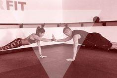 De koppel-workout: 5 oefeningen voor duo's | Women's Health