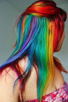 rainbow hair- love this short cut! hair // Beautiful rainbow hair, this time in loose streaks! Epic Hair, Awesome Hair, Pelo Multicolor, Bright Hair, Colorful Hair, Cool Hair Color, Hair Colors, Hair Chalk, Coloured Hair