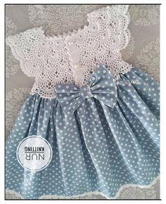 Crochet Baby Dress Pattern, Knit Baby Dress, Baby Girl Crochet, Crochet Baby Clothes, Baby Knitting Patterns, Knitted Baby, Little Girl Dresses, Baby Dresses, Free Pattern
