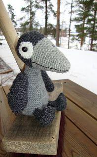 Variksen villat: Virkattu varis Dinosaur Stuffed Animal, Crochet Hats, Toys, Animals, Knitting Hats, Activity Toys, Animales, Animaux, Clearance Toys
