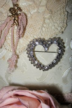 Romantic Valentine Heart Brooch Silver tone with by Fannypippin $18.00.