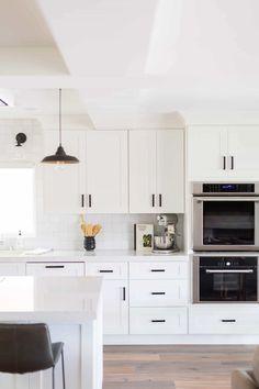 Kitchen On A Budget, Kitchen Redo, Home Decor Kitchen, New Kitchen, Kitchen Remodel, White Ikea Kitchen, White Kitchen Designs, White Shaker Kitchen Cabinets, Kitchen Shelves
