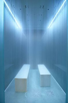 Welcome to Lapis, a luxurious retreat designed with your well-being in mind. Relax in the Bleau Rain room and emerge renewed. Spa Interior, Luxury Shower, Spa Design, Wellness Spa, Bathroom Spa, Hotel Spa, Pool Designs, Relax, Lights