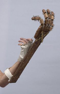 """ianbrooks: """" My Mechanical Hand by Manick Yoj After the zombiepocalypse occurs and we're forced to convert everything to steam-power, you're gonna wish you had paid attention to all those steampunk. Fnaf Costume, Puppet Costume, Fnaf Cosplay, Cosplay Armor, Cosplay Diy, Springtrap Costume, Destiny Cosplay, Cosplay Ideas, Steampunk Lamp"""