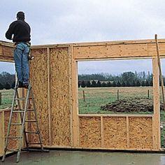 Conseils et étapes d'une construction bois Diy Storage Shed Plans, Firewood, Habitats, Extensions, Cabin, Construction Garage, Aide, Villa, Inspiration