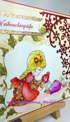 """Whimsy Stamps """"Merry Christmas Bella"""", Ilexzweige """"Weihnachtszweig"""" von Marianne Design, """"Snowflaker Corner"""" von Wild Rose Studio, Spruchstempel von Rayher, Designerpapier von First Edition"""