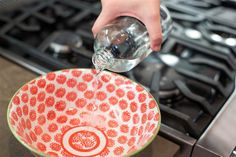 Spring cleaning hacks - clean your oven with just ammonia