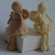 Passeando pela net encontrei essas maravilhas em crochê. Adoro esses bichinhos, mas confesso que não tenho paciência para fazer. Acho uma o...