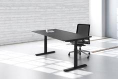Holmris Q20 Height Adjustable Desk with Black Lino Top. #desk