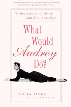 Audrey Hepburn and Lauren Conrad recommends it! Top Fashion, Fashion Books, Fashion Tips, Good Books, Books To Read, My Books, This Is A Book, Love Book, Reading Lists