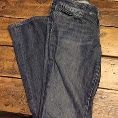 Joe's jeans size 26 Honey fit Cute pair of Joe's jeans Honey fit size 26. 98% cotton 2% Elastane Joe's Jeans Jeans Boot Cut