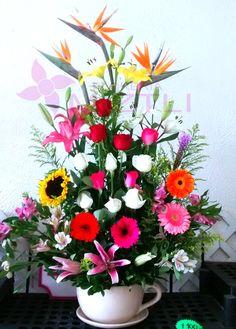 Hermosa taza entregada a domicilio. Si vives fuera de #Queretaro somos tu mejor opciòn para regalar flores!
