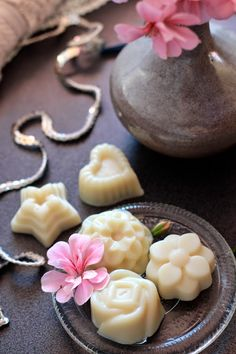 White Chocolate Bath Melts | Bit Square