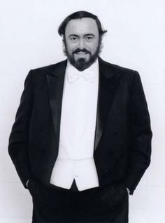 Luciano Pavarotti   greatest tenor ever!