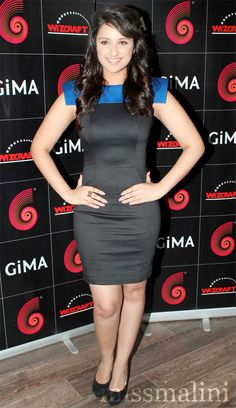 Bollywood newbie Parineeti Chopra is all geared up to try. Beautiful Girl Indian, Most Beautiful Indian Actress, Bollywood Stars, Bollywood Fashion, Parneeti Chopra, Prity Girl, Stylish Girl Pic, Beautiful Bollywood Actress, Indian Girls