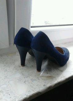 Kup mój przedmiot na #vintedpl http://www.vinted.pl/damskie-obuwie/na-wysokim-obcasie/8640291-sliczne-granatowe-szpilki